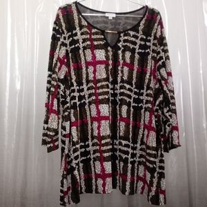 NWOT ABSTRACT PRINT AVENUE STRETCH PULLOVER TUNIC